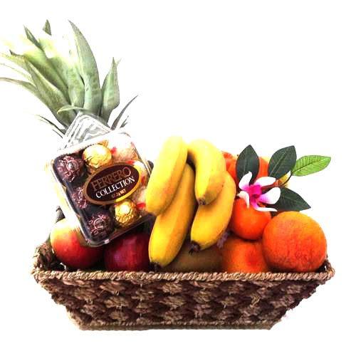 سبد میوه و شکلات