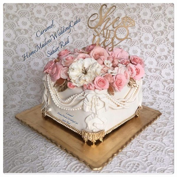 French Roses Luxury Cake