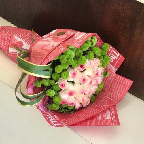دسته گل رزهای صورتی