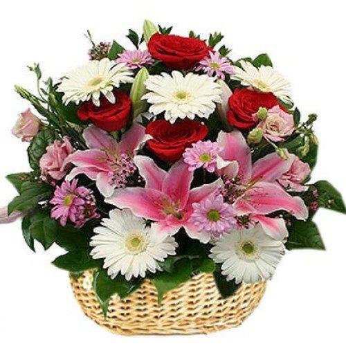 سبد گلهای رنگارنگ